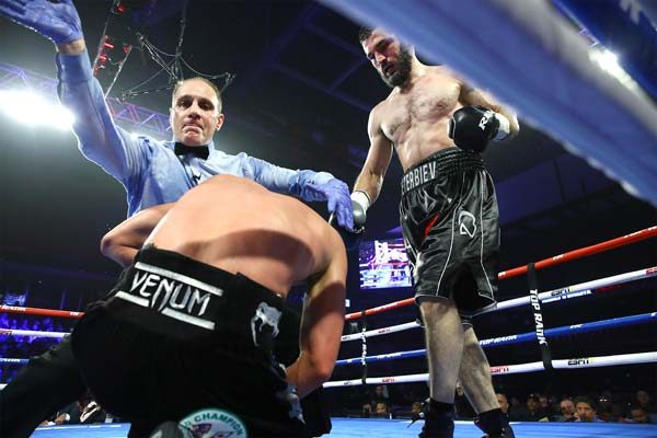 Beterbiev Stops Gvozdyk in 10, Unifies Light Heavyweight Titles